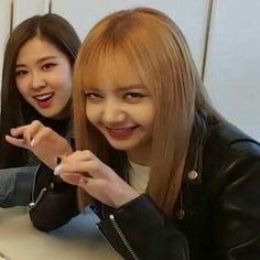 Rosé and Lisa (derp)