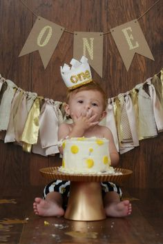 Love Like Johnny and June...: {Made in KC: King Henry's First Birthday Photos}