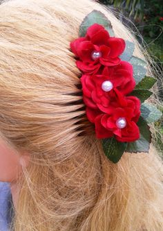 Rose Hair comb with Pearl Center