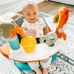 """Ummm… I'm not sure who's having more fun with this new toy… me or Oliver? 😂🙌😍"" - Jordy Whitaker Now, this Discovery Seat is recommended for ages 4 months to 4 years, but maybe we'll make an exception for the mamas out there. Baby Activity Toys, Infant Activities, Box Company, Happy Parents, Grow Together, Blue Box, Baby Grows, New Toys, More Fun"