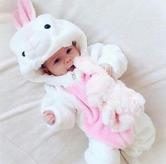 Rare Baby Names 2016 for Girls Cute Little Baby, Baby Kind, Cute Baby Girl, Little Babies, Funny Babies, Cute Babies, Halloween Bebes, Foto Baby, Cute Baby Pictures