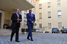Δείτε: Επιστολή του πρωθυπουργού της Αλβανίας στον ιταλό Ρομάνο Πρόντι | ΚΟΣΜΟΣgr
