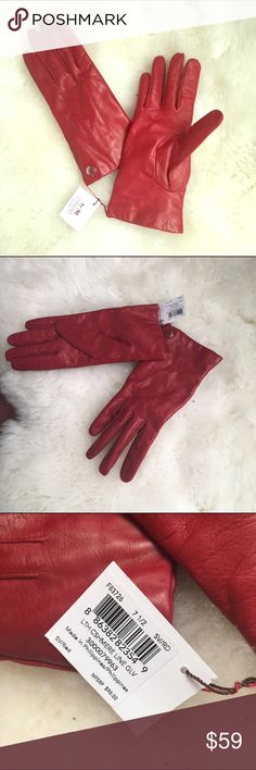 Coach Leather Cashmere Gloves Brand new with tag, coach genuine leather gloves with cashmere lining. Warm, luxurious, and classy ❤️ Coach Accessories Gloves & Mittens