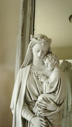 Large Queen Mary and Child Statue, White, French Nordic Style <3