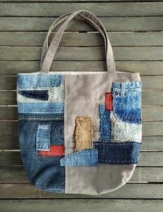 Patchwork Bags, Quilted Bag, Denim Tote Bags, Canvas Tote Bags, Boro, Denim Bag Patterns, Upcycled Textiles, Green Handbag, Recycle Jeans