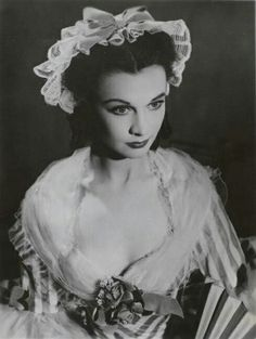 "classic-hollywood-glam: ""Vivien Leigh"""