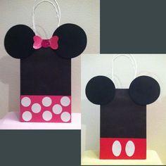 A Minnie é um personagem muito popular criado pelos estúdios Walt Disney. Apesar de isso ter acontecido já há vários anos, a ratinha companheira ...