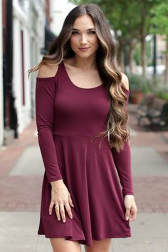 Maroon dress what color accessories go with green