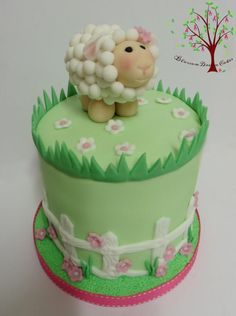 Baaaa little lamb - Cake by Blossom Dream Cakes - Angela Morris Easter Cake Fondant, Fondant Cakes, Cupcakes, Cupcake Cakes, Sheep Cake, Lamb Cake, Cake Topper Tutorial, Tasty Chocolate Cake, Animal Cakes