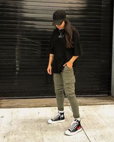 Cute Tomboy Outfits, Skater Girl Outfits, Retro Outfits, Grunge Outfits, Boyish Outfits, Tomboy Fashion, Teen Fashion Outfits, Streetwear Fashion, Fashion Fashion