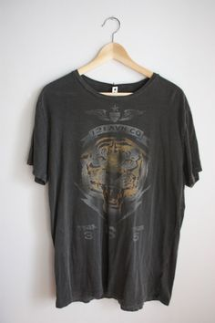 vintage tiger head graphic tshirt