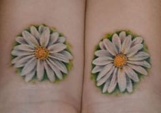 Daisy tattoo Would love to have it shaded in with our wedding date or our initia. Dad Tattoos, Future Tattoos, Body Art Tattoos, Small Tattoos, Sleeve Tattoos, Tatoos, Arm Tattoo, Sunflower Tattoo Sleeve, Sunflower Tattoo Shoulder