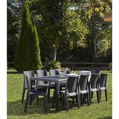 Ensemble de Jardin en Polypropylène imitation Rotin. Ce bel ensemble accueille jusqu'à 10 convives sans problème. Les chaises sont empilables et la table est entierement démontable. L'ensemble est tout temps, mettre à l'abris l'hiver. Dimensions de la table : 220 x 90 x 70 cm Dimensions de la chaise : 55 x 48 x 86 cm