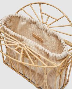 Cane Baskets, Wooden Bag, Diy Clutch, Macrame Bag, Cute Bags, Green Bag, Vintage Bags, Knitted Bags, Handmade Bags
