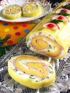 Roll appetizer with eggs - - Finger Food Appetizers, Appetizer Recipes, Party Recipes, Amazing Food Decoration, Romanian Food, Appetizer Plates, Soul Food, I Foods, Great Recipes