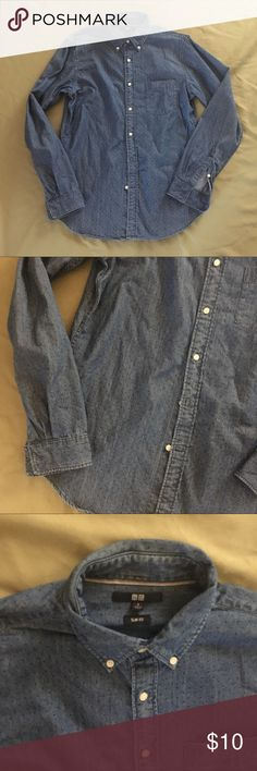 """Uniqlo Slim Fit Men's Denim Shirt Small Preppy Men's small. Slim fit. Total length measures apx. 30"""" Shoulder to hem. In overall great condition. Price firm unless bundled! Uniqlo Shirts Casual Button Down Shirts"""