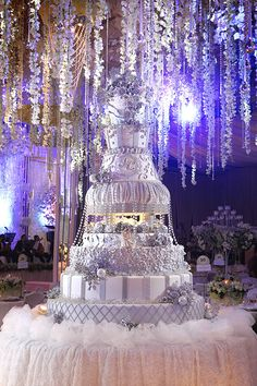 This wedding cake country is genuinely an extraordinary design procedure. Types Of Wedding Cakes, Country Wedding Cakes, Diy Wedding Cake, Amazing Wedding Cakes, Wedding Cake Designs, Wedding Decorations, Huge Wedding Cakes, Royal Wedding Cakes, Wedding Ring