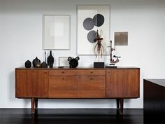 interieur : combo old & new. deens sideboard