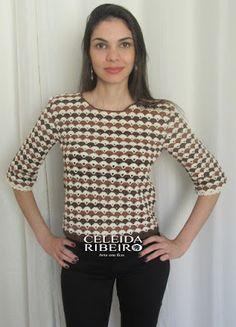 Celeida Ribeiro: Blusa ( cropped) em crochê Batik!