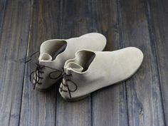 Scarpe fatte a mano piatta, Oxford Scarpe donna, scarpe piatte, Retro in pelle scarpe, scarpe Casual, scarpe comode passeggiate  Più scarpe: https://www.etsy.com/shop/HerHis?ref=shopsection_shophome_leftnav  ♥♥♥♥♥♥If non si conosce quale dimensione è necessario scegliere, la prego di dirmi la lunghezza dei vostri piedi, vi raccomandiamo la dimensione che è adatto per i vostri piedi. ;-)  SI ricorda che il piede deve essere saldamente sul pavimento quando si misura la lunghezza e la larghezza…