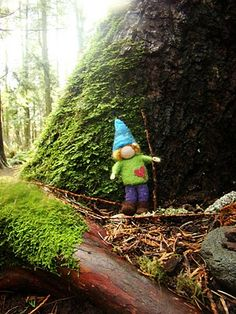 Fiona Duthie: Love Gnomes tutorial; gives all details to make about any figure; also more felting tutorials