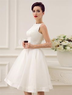 I found some amazing stuff, open it to learn more! Don't wait:https://m.dhgate.com/product/2015-short-wedding-dresses-vintage-bateau/231185504.html