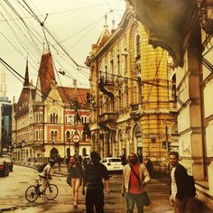 It doesn't matter when you visit Cluj-Napoca, it will always have something special on the menu for you: festivals, concerts, exhibitions, monuments, museums, history, old & new architecture, nightlife, day-life, student-life...