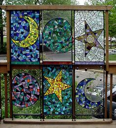Adapt for recycled windows, by Moe's Ache Studio (I know, I know.... but it's really pretty!). another great glass mosaic pattern