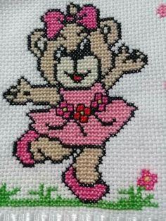 Cross Stitch Fabric, Cross Stitch Art, Simple Cross Stitch, Modern Cross Stitch, Cross Stitch Designs, Cross Stitch Embroidery, Cross Stitch Patterns, Animal Knitting Patterns, Crochet Stitches Patterns