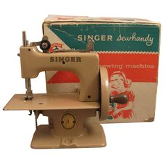 Child's Singer Sewhandy Model 20 Toy Sewing Machine + Box-I got one of these from my aunt!