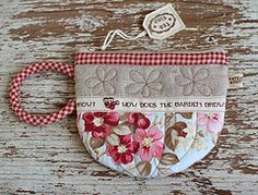 Teacup Pouch (PatchworkPottery) Tags: bag tea handmade pouch pottery zipper quilted patchwork teacup wristlet