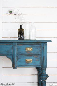 petrol,skrivbord,chalk paint,gårdsbutik,möbler,turkos,blå,gammalt,antikt,nött,mässing