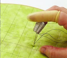 Hand quilting results in dashed lines of stitches and a quilt with a soft look… Easy Hand Quilting, Hand Quilting Patterns, Quilting Thread, Free Motion Quilting, Quilting Tips, Quilting Tutorials, Quilting Projects, Sewing Projects, How To Hand Quilt