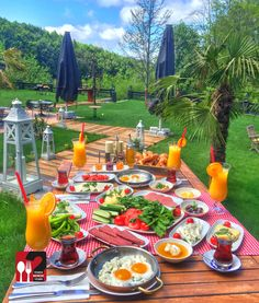 Likes, 593 Comments - Yemek Nerede Yenir ® ( on Inst. - Karin M. Turkish Breakfast, Breakfast In Bed, Food N, Food And Drink, Breakfast Around The World, Cooking Recipes, Healthy Recipes, Photos Voyages, Food Platters