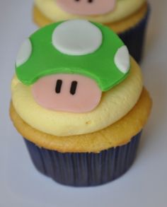 Mario Brothers cupcake a