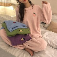 Embroidery fashion inspiration shirts 68 ideas for 2019 Tumblr Outfits, Mode Outfits, Fashion Outfits, Teen Fashion, Fall Outfits, Fashion Goth, Fashion 2020, Fashion Clothes, Pajama Suit