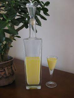 Home made eggnog My Plate, Polish Recipes, Pint Glass, Holiday Recipes, Rum, Recipies, Plates, Homemade, Drinks