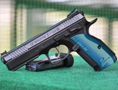 MΔΠUҒΔCTURΣR: Česká Zbrojovka MΩDΣL: CZ Shadow 2 CΔLIβΣR: 9 mm CΔPΔCITΨ: 18 Rounds βΔRRΣL LΣΠGTH: 4.9 ШΣIGHT: 1330 g