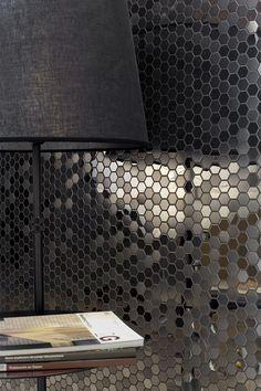 Dinamismo y sofisticación con los mosaicos metálicos de L'Antic Colonial Revestimientos metálicos