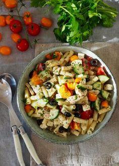 One pot wonder - lettvint gryterett - Mat På Bordet Feta, One Pot Wonders, Paella, Cobb Salad, Salad Recipes, Vinaigrette, Salads, Food And Drink, Bacon