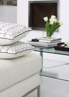 white on my #livingroom #home For guide + advice on lifestyle, visit www.thatdiary.com