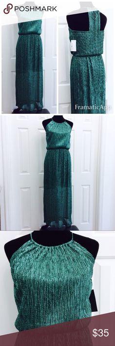 NEW Emerald Green Spaghetti Strap Maxi Dress New with tags, lining mini length en Focus Studio Dresses Maxi
