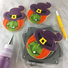 How to Make Halloween Witch Cookies - Semi Sweet Designs Halloween Potions, Halloween Baking, Halloween Cookies, Halloween Boo, Halloween Treats, Halloween 2018, Happy Halloween, Halloween Decorations, Royal Icing Cookies