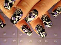 41 Amazing Sugar Skull Nail Designs