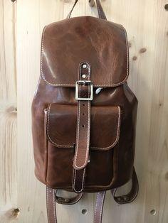 Leather Backpack, Backpacks, Bags, Fashion, Leather, Handbags, Moda, Leather Backpacks, Fashion Styles