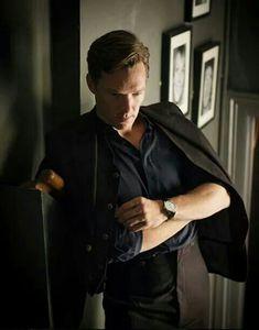 Benedict Cumberbatch Covers Flaunt, Talks 'The Imitation Game'