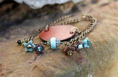 Bracelet bohème en cuir et laiton avec perles fleurs : Bracelet par les-3-oranges