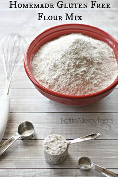 Petite Allergy Treats: GlutenFree Flour Mixes. ☀CQ #glutenfree #bread