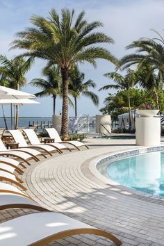 9 Best Hotels in the Florida Keys We Absolutely Love - Paradise is closer than you think: the 110-mile ribbon of highway linking Florida's famed archipelago has postcard-perfect beaches and endless ocean views, with stylish hotels to match. Sarah L. Stewart takes us on a tour of the 9 best hotels in the Florida Keys.