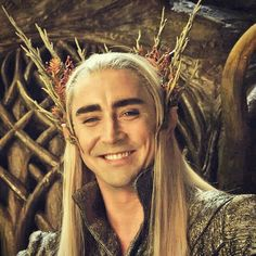 Between takes on the third Hobbit movie. Lee Pace as Thranduil. Lee Pace Thranduil, Legolas And Thranduil, Tauriel, Gandalf, The Hobbit Movies, O Hobbit, L Elf, King Of My Heart, Middle Earth